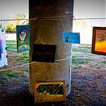 На выставке современного искусства в Луганске.