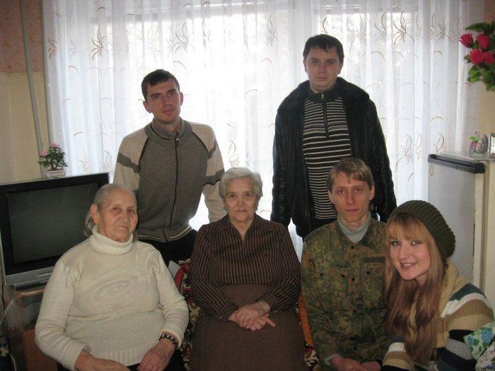Поздравление ветеранов труда и войны с Новым Годом в Луганске в доме престарелых.
