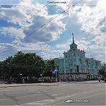 Панорама Луганска: дом со шпилем.
