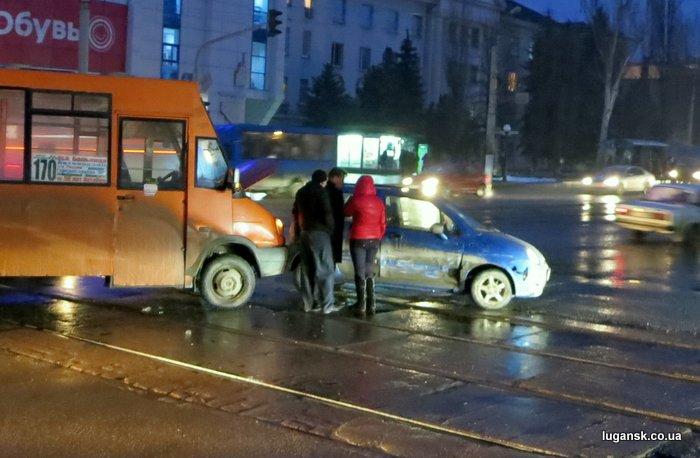 ДТП в Луганске, 21 февраля 2013.
