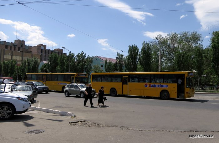 Подвоз митингующих на митинг ПРУ.