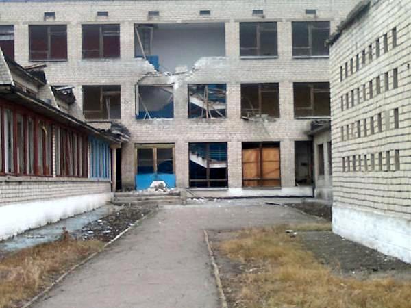 Михайловка (Золотое-5), обстрел, разрушения.