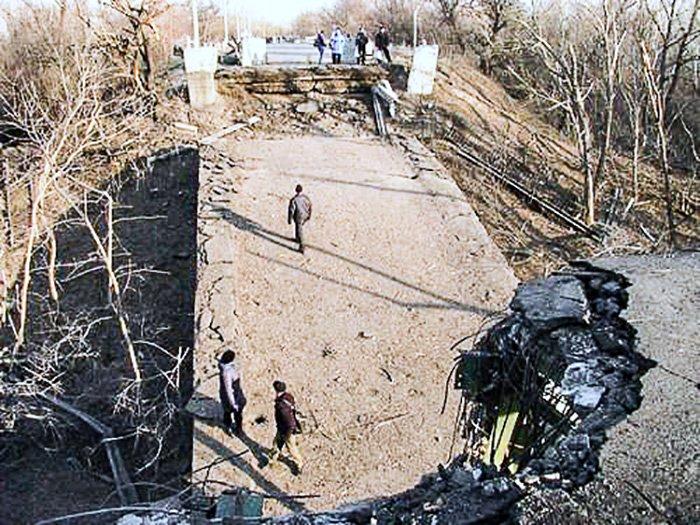 Взорванный мост Станица Луганская