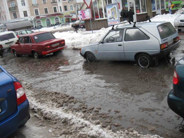 21 декабря 2009 в Луганске. А вот и ручьи.