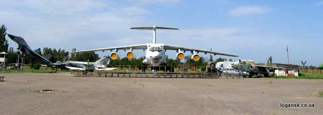 ИЛ-76МД Военно-транспортный грузовой самолет