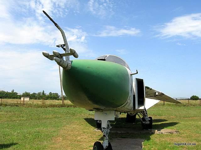 СУ-24М фронтовой бомбардировщик