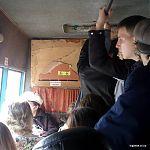 В маршрутке лопнул лист ДВП и качается во время движения. Скоро отломится и упадет кому-то на голову. Луганск