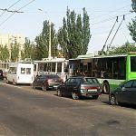 В результате ДТП в Луганске на ул. Леннина троллейбусы выстроились от