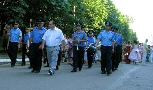 Оркестр ЛГУВД и поселковый голова п. Юбиленого Струк