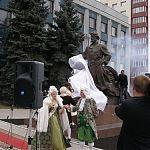 Открытие памятника литейщику