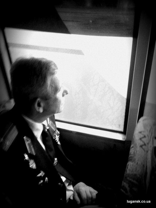 Ветеран в луганской маршрутке на День Победы.