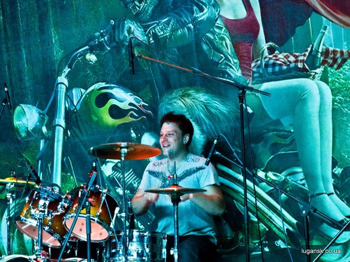 Группа Nemo Луганск, барабанщик, Евгений Бурым.